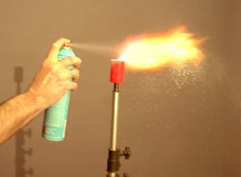 spraydosen flammenwerfer im haushalt. Black Bedroom Furniture Sets. Home Design Ideas